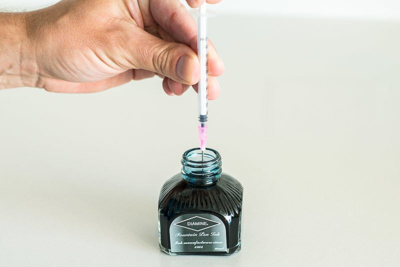 How To Refill A Fountain Pen Ink Cartridge filling syringe