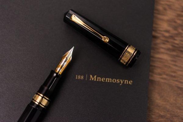 Maruman Mnemosyne Notebook Review omas paragon fountain pen