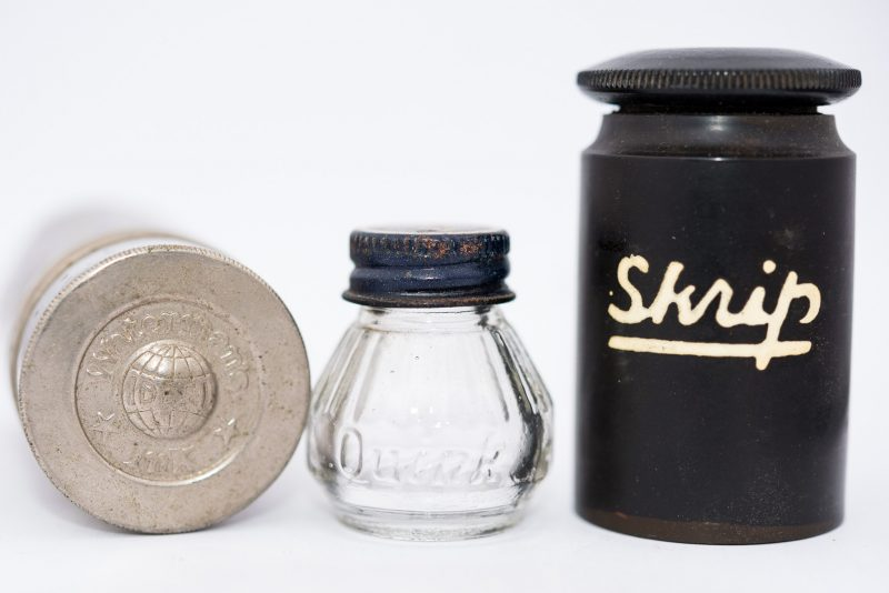 Identifying Vintage Fountain Pen Ink Bottles and Boxes hard rubber skrip bottle